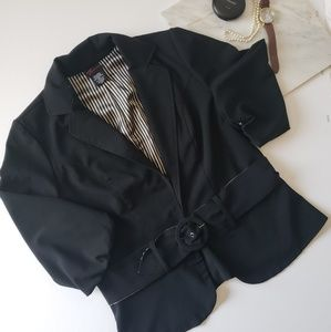 Black belted 3/4 sleeve blazer